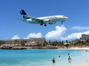 Copa Airlines Boeing 737 over Maho Beach