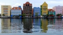 Looking at Curaçao