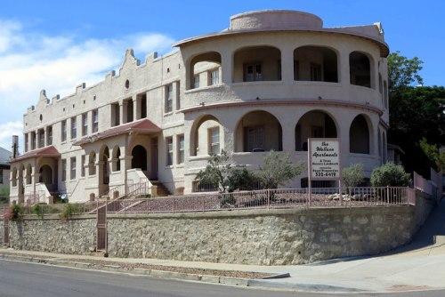 Texas Historic Landmark — The Wallace Apartments