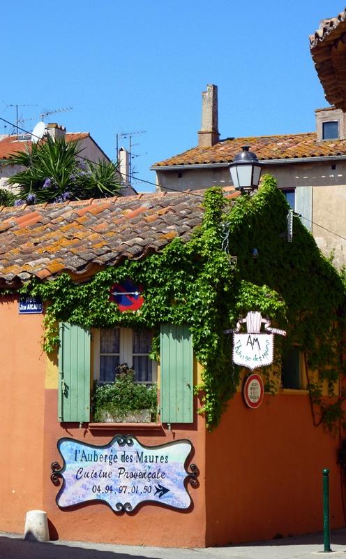 St. Tropez Charm