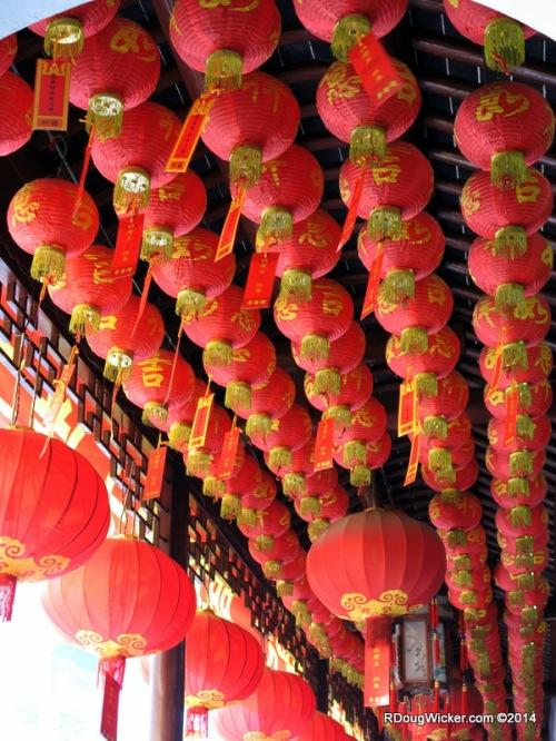 Shanghai Buddhist Temple-029