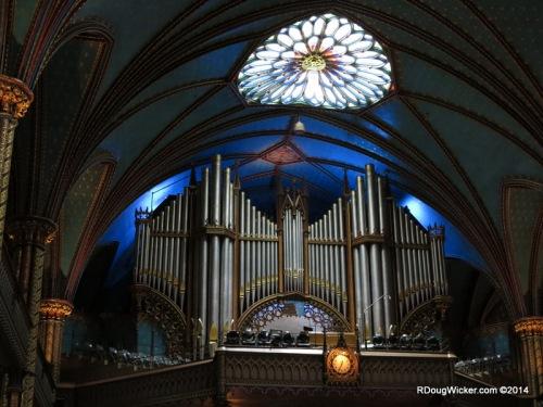 Organ pipes nearly 33 feet long