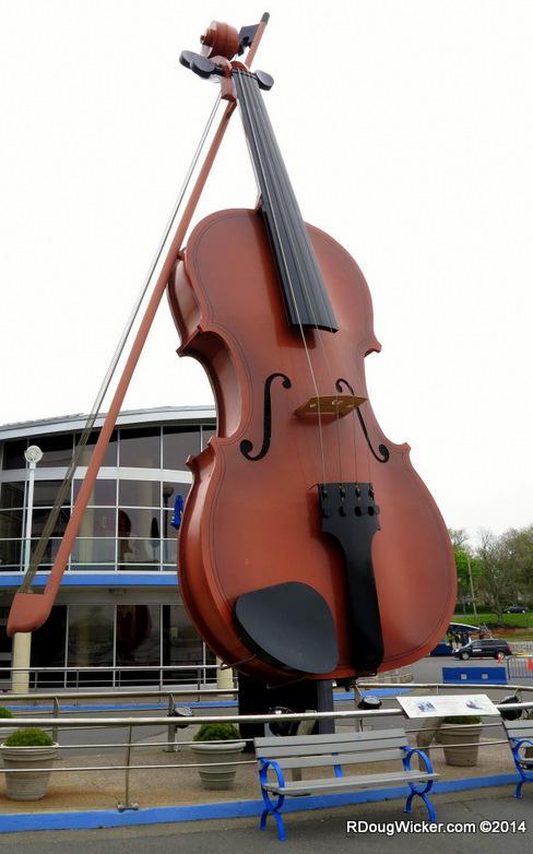 World's Largest Céilidh Fiddle