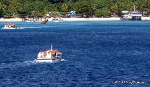 Tendering onto Dravuni Island