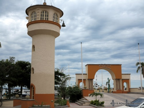 """La Paz boardwalk, welcome sign, and """"lighthouse"""""""