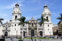 Cathedral of Lima, Plaza Mayor