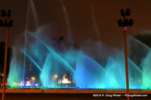 Fuente de la Fantasia — Nightly Fantasia Fountain light show