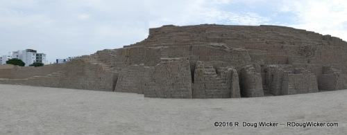 Huaca Pucllana Panorama