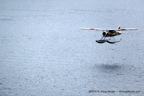 De Haviland DHC-3 Otter on Approach