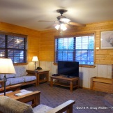 Riverside Lodge & Cabins living area