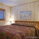 Riverside Lodge & Cabins bedroom 1