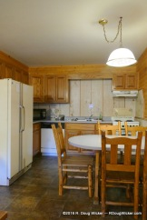 Riverside Lodge & Cabins kitchen