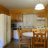 Riverside Lodge & Cabins kitchen