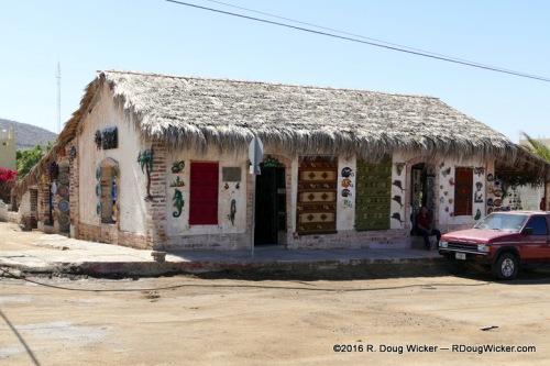 Todos Santos arts and crafts store