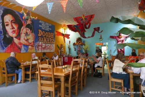 Café 1Zero6 — intimate interior