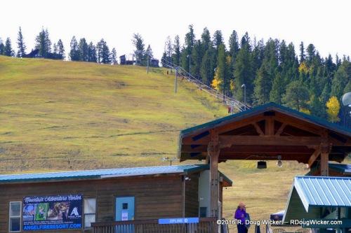 Angel Fire Ski Resort — base: 8,600 feet; top: 2,600 meters to 10,677 feet/3,254 meters