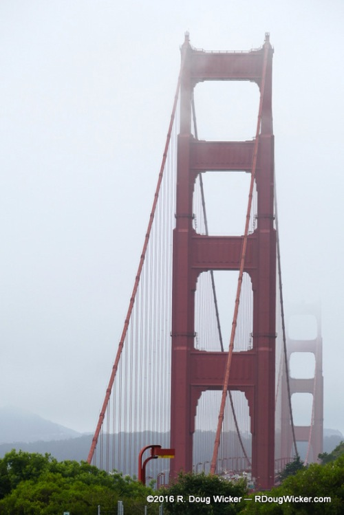 Golden Gate in Mist