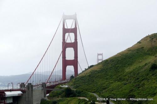 Golden Gate in Mist