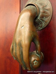 Nifty Knocker